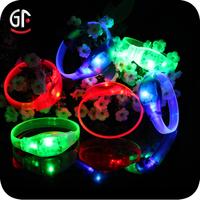 2015 Hot China Wholesale Party Decoration Cheap Custom Flashing Heart Design/Led Wristbands