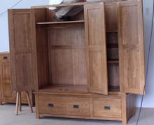 Pure solid wood three large wardrobe / import oak / wood bedroom furniture assembled wardrobe American Village Special CN037
