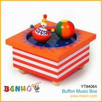 Hexin Top New Wooden Music Box Christmas Wind Up Toys