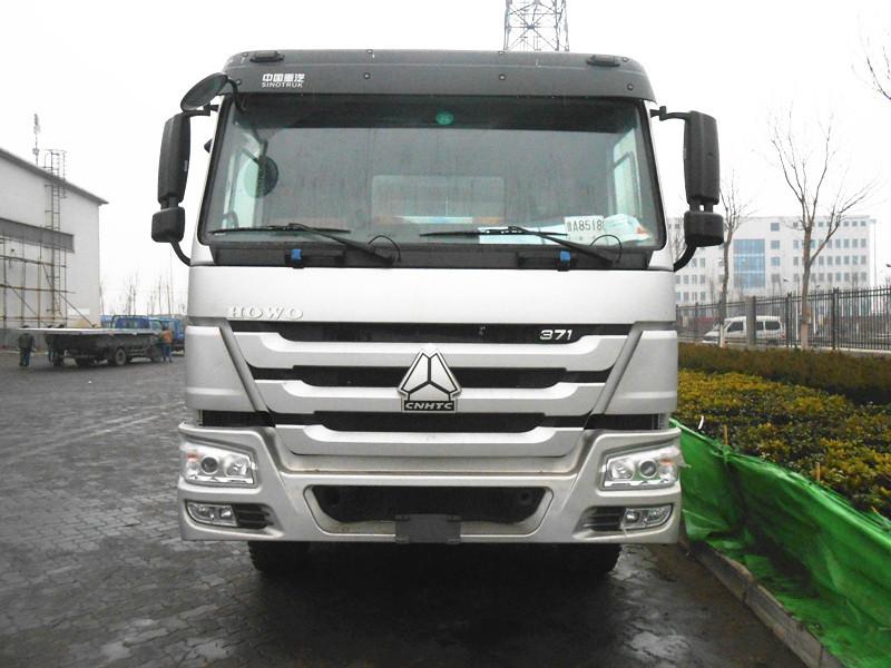 40ton loading capacity sinotruk head tow truck 6x4 howo heavy duty tractor trucks for hot sale