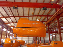 High Performance 25 Persons Totally Enclosed Davit Luffing Arm Lifeboat with Certificate