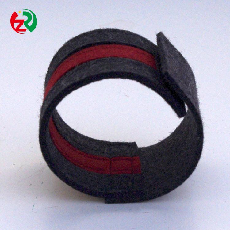felt wristband10.jpg