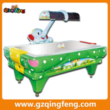 Qingfeng 2015 new design coin operated children arcade games machines cheap air hockey