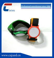 OEM type different kinds of 2015 gold supplier 100% quality control fashional free custom wristbands