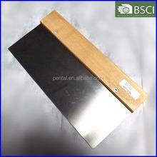 JNSG-0060 10'' wooden handle scraper