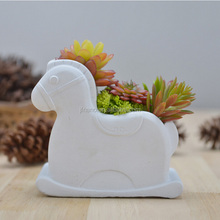 Creative horse shape cement planter for succulent plants