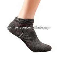 OEM Cheap cotton mens ankle socks