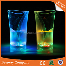 Colorful LED Cup pour on the light sensor cup creative cup glass vase flash