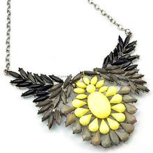 Fashion Women's Wing Smoky Acrylic Multicolor Bib Statement Necklace