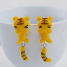 Lovely clay earrings earrings personality cartoon small tiger creative split Earrings