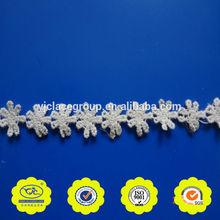 yjc8237 de flores de la cinta del bordado diseños caliente venta de encaje blanco del ajuste