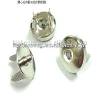 Magnetic buttons close textile snap fasteners