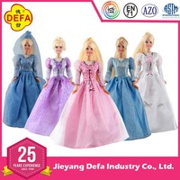 OEM&ODM plastic doll/dress-up dolls with beautiful make-up face/fashional dresses/bendable body