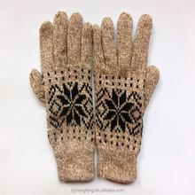 2015 wholesale winter ladies printing Knitted gloves