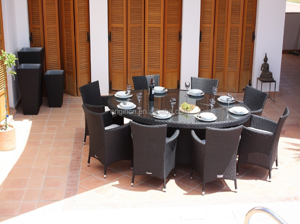 8 places pratique balcon toit restaurant ovale rotin table for Salle a manger 6 places
