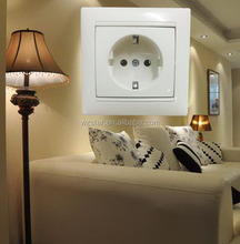European/Russian power plug socket with earthed 250v