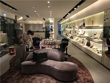 Famous Brand Customed Retail Shop Furniture Ladies Garment Display Clothes Shop Names