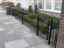 2015 latest products steel fences factory price metal fence panels,fencing for house garden and yard