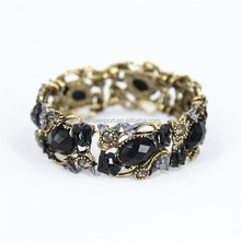 New design crystal cuff with delicate oval resin flower fashion jewelry