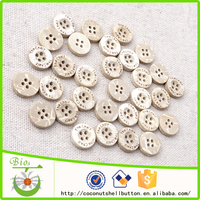 20L 4 holes bleached white coconut button with custom logo