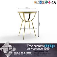Single layer glass coffee table design