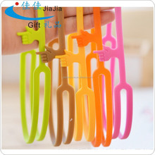 promotional silicone bookmark pointing finger/religious style and finger point bookmark