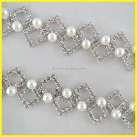 Customized Fabulous Pearl Trim Crystal Beaded Wedding Dress