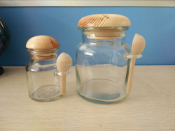 hot sale glass jar with wooden lid and spoon , glass jar with wooden top
