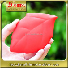Red Color Convenient Soft Silicone Leaf Shape Camping Hiking Outdoor Activities Pocket Cup