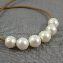 AA Freshwater Potato Shape Large Hole White Loose Pearl Natural Pearl Price