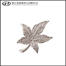Jewelry diamond maple leaf bulk metal brooch for party
