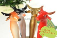 China Hot selling novelty bull character animal ball pens