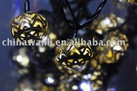LED light chain with metal ball