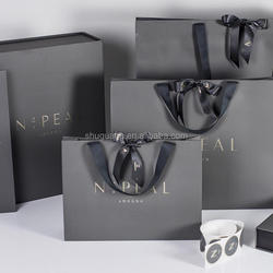 Luxury Bespoke Retail Paper Bags with Different Sizes