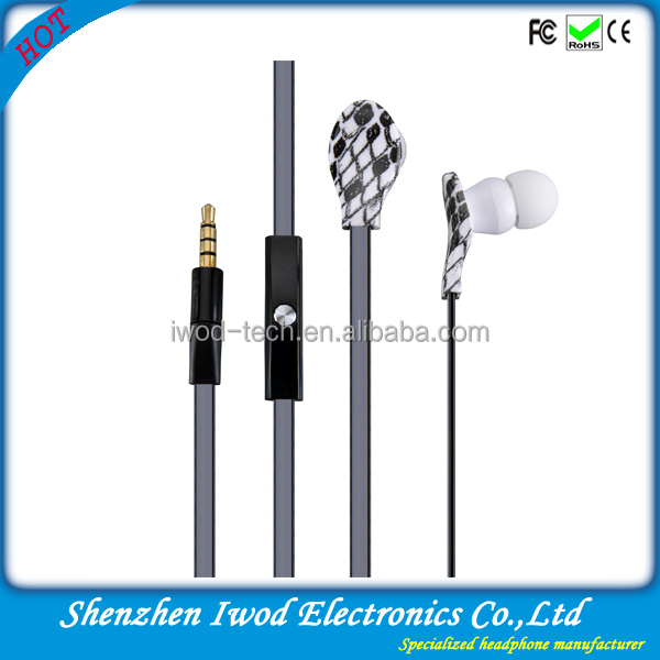 2014 flat cable earphone for samsung iphone mobile phone with handsfree plastic silicone rubber cover