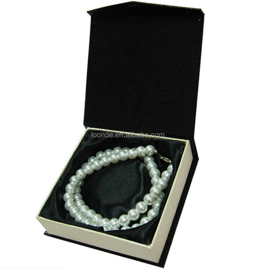 bracelet packaging box (1).png