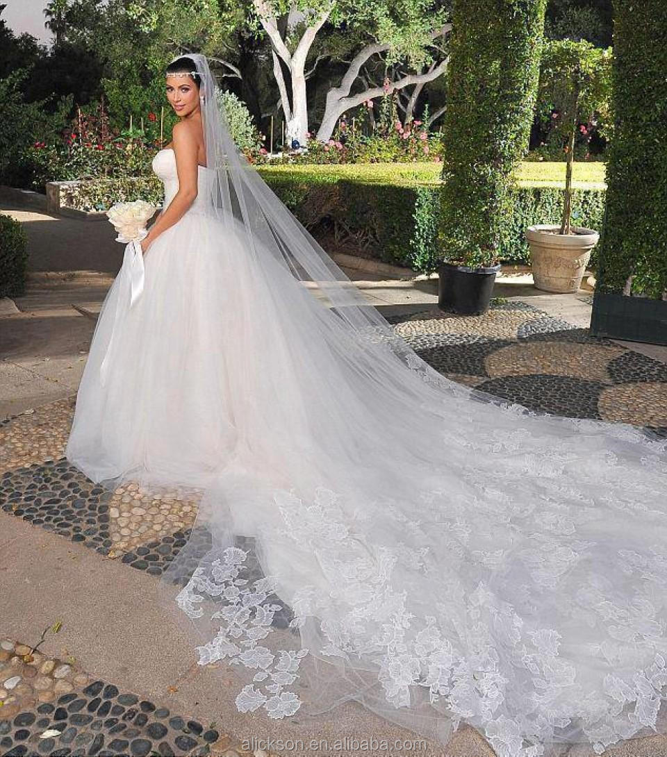 Ethereal sweetheart floor length sleeveless ball gown for Wedding dress with veil