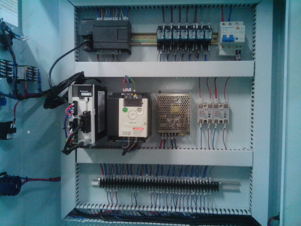 Electronic box.jpg