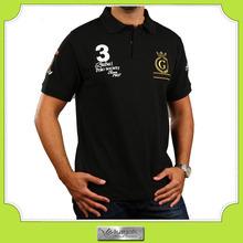 Ajuste delgado blanco camiseta del polo de los hombres de encargo con un diseño bordado propia