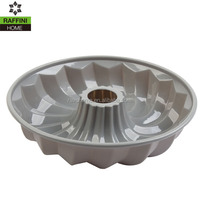 """Silicone Heat-Resistant Non-Stick 10"""" Fluted Bundt Cake Pan"""