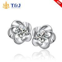 2015 New arrival hot sale flower rhinestone crystal stud earrings for women