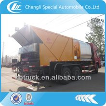 HOWO asphalt sealer spray truck