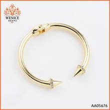 Hot sale acrylic rivet gold chain rhinestone bangles