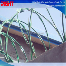 Grass Boundary Galvanized Barbed Wire Barbed Wire Galvanized Razor Barbed Wire