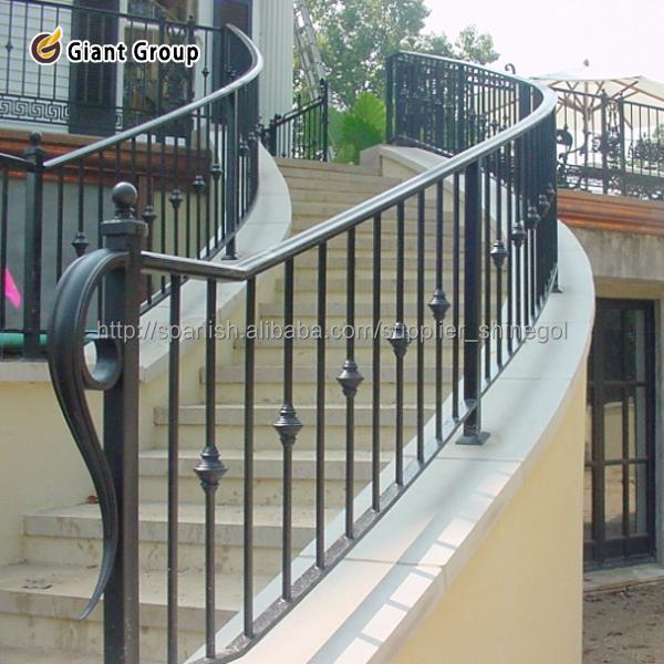 Barandillas de hierro forjado good balcn barandilla de for Escalera madera sodimac