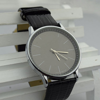 2014 vogue new luxury famous brand C watches leather wrap Casual Clock