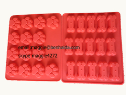 Christmas Promotional Dog Treat Baking Pan FDA silicone muffin pan, silicone cake mold