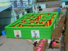 Green giant inflatable maze for outdoor