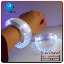 Sound activated and vibrating glow in the dark party led bracelet