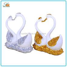 Design Cheapest White Swan Wedding Decorations / Luxury Wedding Decor / Heart Shaped Wedding Decor